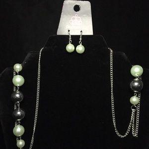 paparazzi Jewelry - Uptown Talker green paparazzi necklace